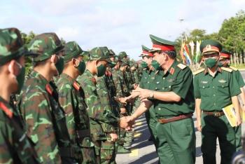 Hơn 1300 cán bộ, chiến sĩ quân dân y gấp rút lên đường tăng viện cho 'tuyến lửa'