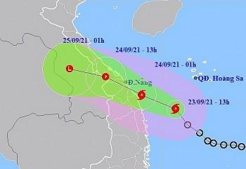Bão số 6 mạnh cấp 8 dự báo đổ bộ vào Thừa Thiên Huế - Quảng Ngãi