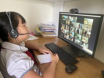 Hà Nội duy trì học trực tuyến, tiêm vaccine cho 100% giáo viên