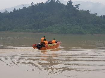 Tiếp tục tìm kiếm 13 nạn nhân mất tích ở Trà Leng từ 8/11