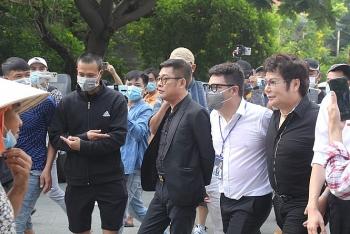 Đồng nghiệp, người hâm mộ ngậm ngùi tiễn đưa nghệ sĩ Chí Tài