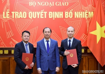 Bộ Ngoại giao, Bộ Nội vụ, Bộ Y tế bổ nhiệm lãnh đạo mới