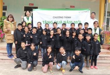 GNI tặng gần 4.000 suất quà cho trẻ bảo trợ tại Hòa Bình, Hà Giang, Tuyên Quang