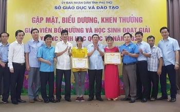 Phú Thọ: Khen thưởng giáo viên bồi dưỡng và học sinh đoạt giải Olympic Sinh học quốc tế năm 2020