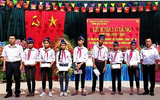truong thcs lien chau vinh du don nhan huan chuong lao dong hang ba
