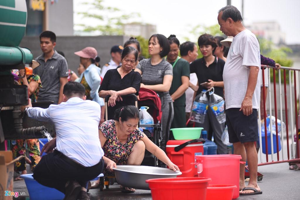 Khủng hoảng nước sạch ở Hà Nội