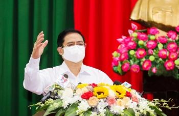 Thủ tướng kêu gọi bình tĩnh, không chủ quan trong phòng chống dịch