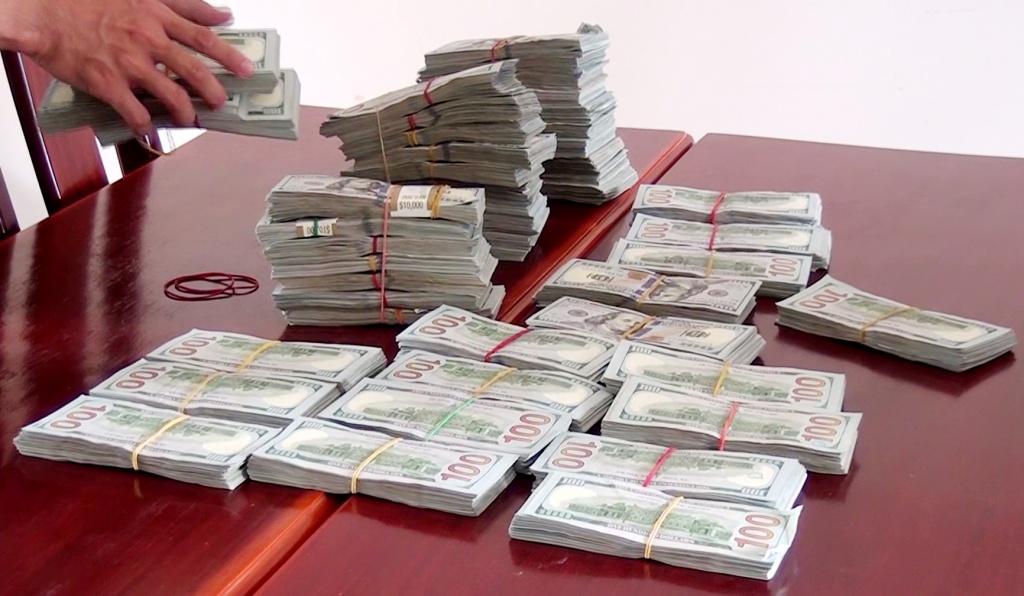 bo doi bien phong tinh an giang thu giu 470000 do la my van chuyen trai phep qua bien gioi