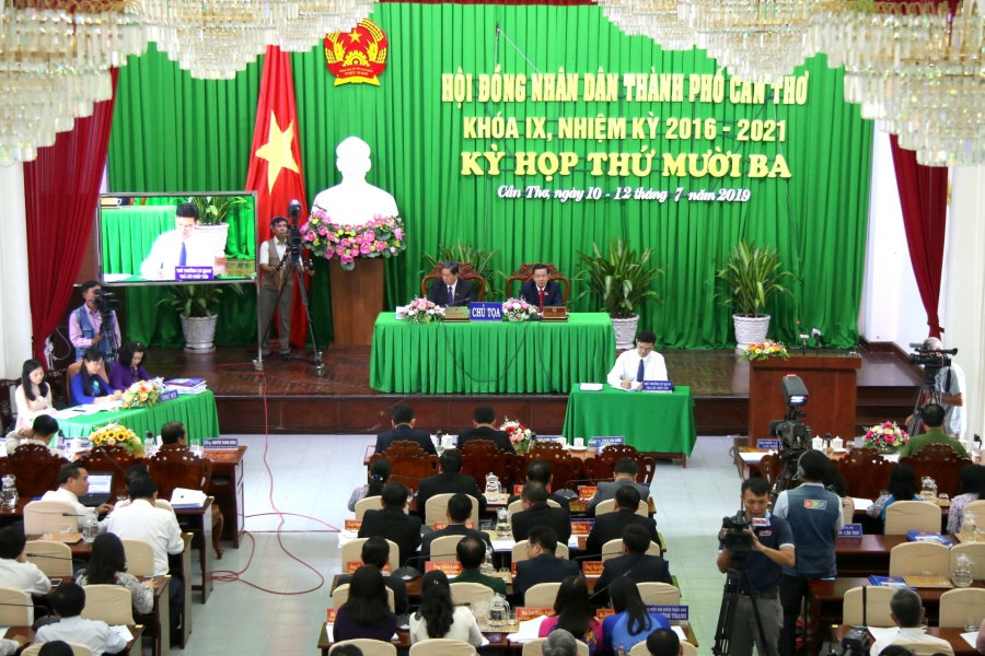 trinh suong co 1 tong kho va phan phoi xang cho 27 dai ly tai can tho