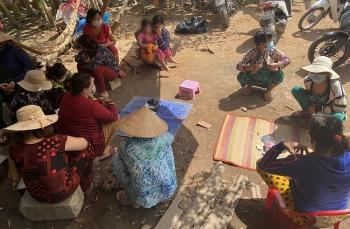 An Giang bắt quả tang 12 quý bà đánh bạc ăn tiền giữa lúc giãn cách xã hội