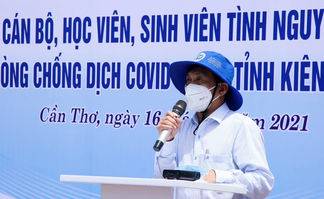 Hơn 600 tình nguyện viên Cần Thơ lên đường hỗ trợ Kiên Giang chống dịch