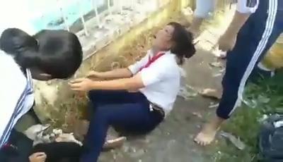 bon em hoc sinh nu bi nam dau danh toi tap o dong thap