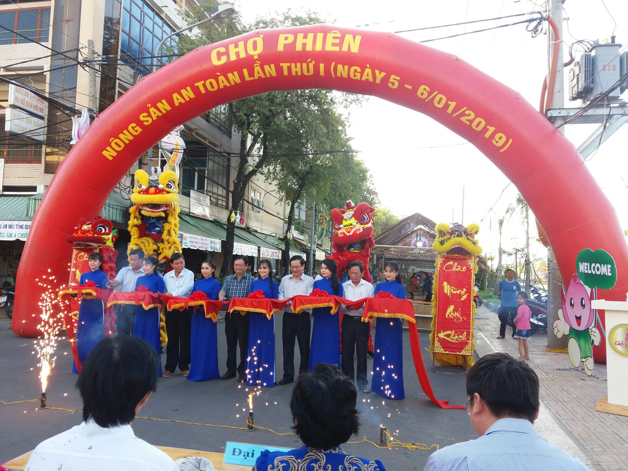 dong thap lan dau tien dien ra cho phien nong san an toan