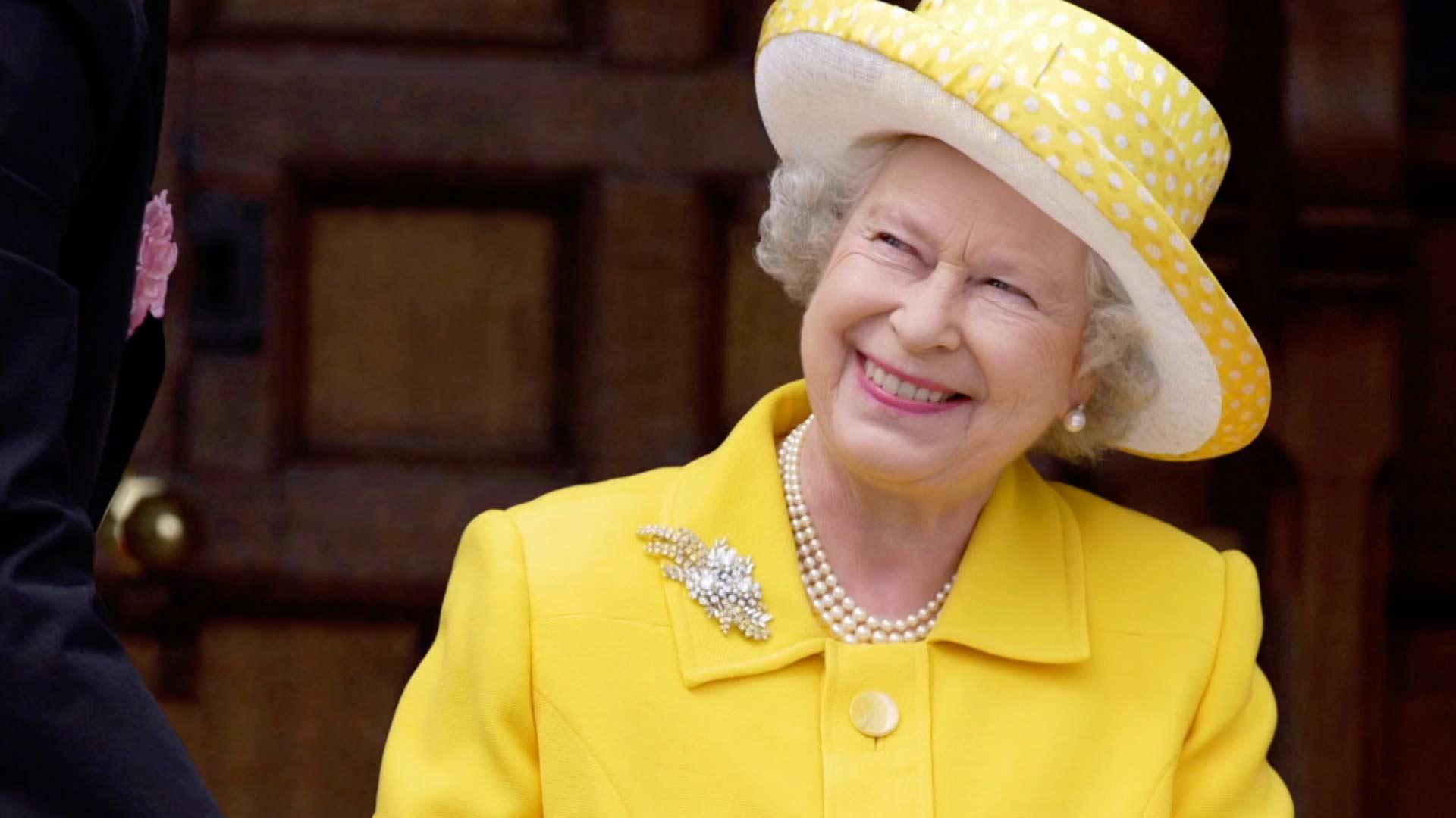 Nữ hoàng Anh Elizabeth II kỷ niệm 65 năm lên ngôi