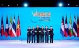 Thủ tướng kết thúc tốt  đẹp chuyến tham dự Hội nghị ACMECS 8 và CLMV 9