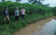 ha noi be trai 10 tuoi tu vong bat thuong o ranh nuoc tren nguoi co nhieu vet thuong