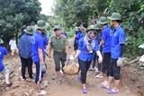 Đoàn Thanh niên lực lượng Công an Thừa Thiên-Huế ra quân giúp dân đồng bào vùng biên