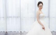 Bạn gái Công Lý thử váy cưới, xuất hiện trong hình ảnh cô dâu xinh đẹp