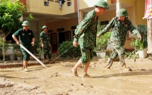 Hàng nghìn học sinh huyện biên giới Nghệ An không thể tựu trường như kế hoạch do lũ