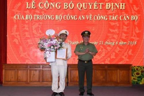 trao quyet dinh bo nhiem giam doc cong an tinh thanh hoa
