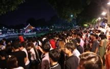 Hàng ngàn người dân đổ về Công viên Đầm Sen xem pháo hoa mừng Tết Độc Lập