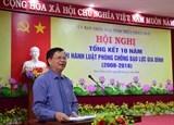 video nu sinh co vo quat nga nam sinh day song mang xa hoi