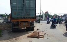 TP. HCM: Container mất thắng cuốn 2 thanh niên vào gầm xe, 1 người tử vong tại chỗ