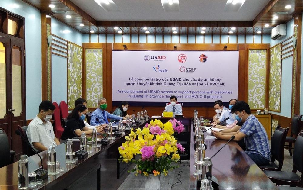 Lễ công bố trực tuyến dự án dành cho NKT tại đầu cầu Quảng Trị. Ảnh: Minh Trang/VGP