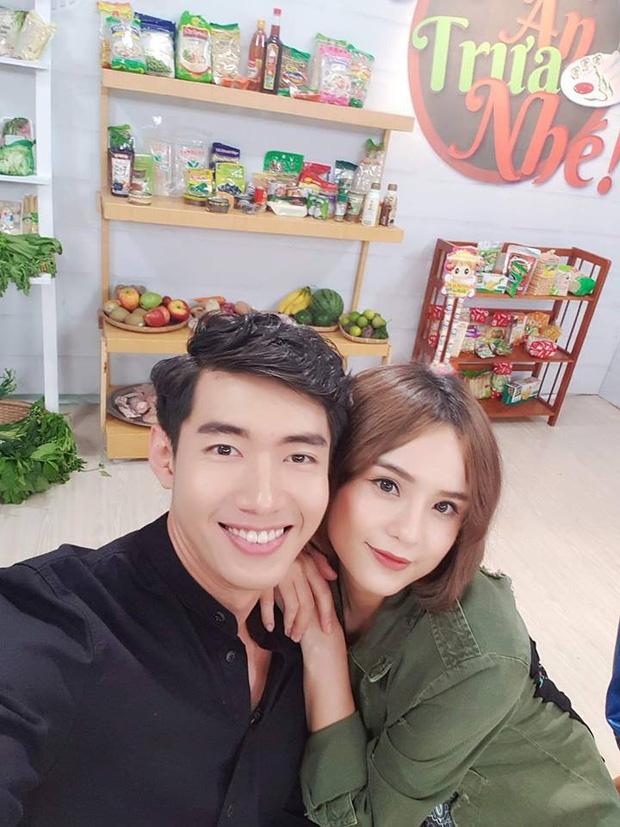 hanh trinh yeu 2 nam day ky niem dep cua thai trinh quang dang