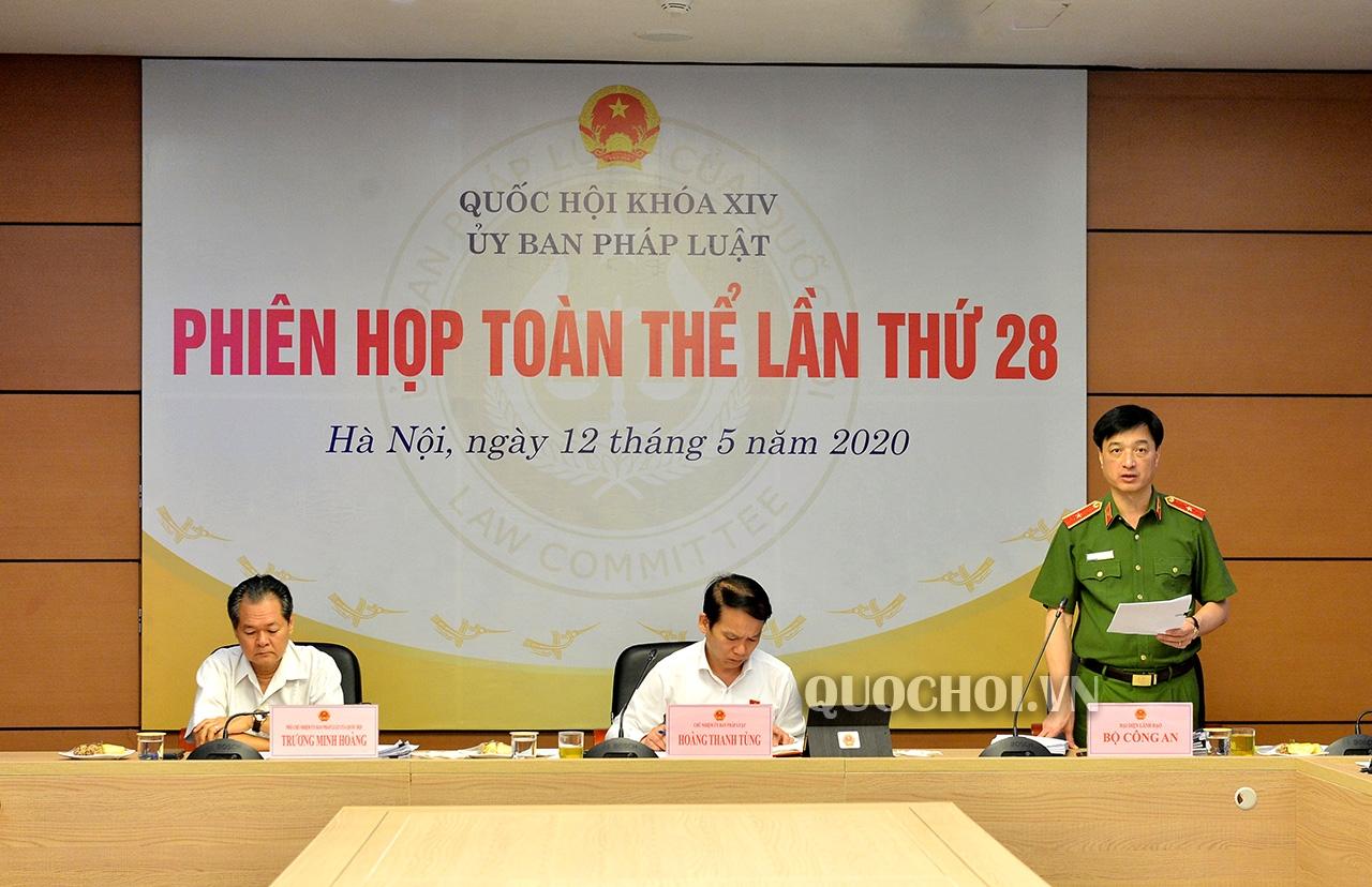 uy ban phap luat cua quoc hoi tan thanh bo so ho khau tam tru