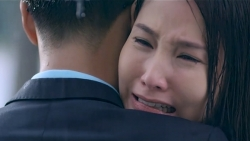 Tình yêu và tham vọng tập 21: Linh và Sơn ôm nhau dưới mưa