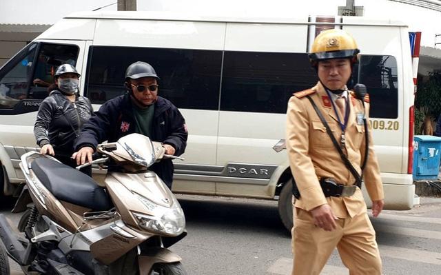 tu 2020 muc phat loi xe khong chinh chu tang gap doi