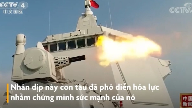 video chien ham manh nhat trung quoc pho dien hoa luc