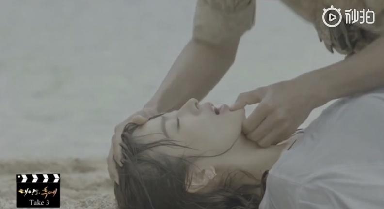 song joong ki va song hye kyo vui nhon trong doan clip hau truong khien fan cang tiec nuoi