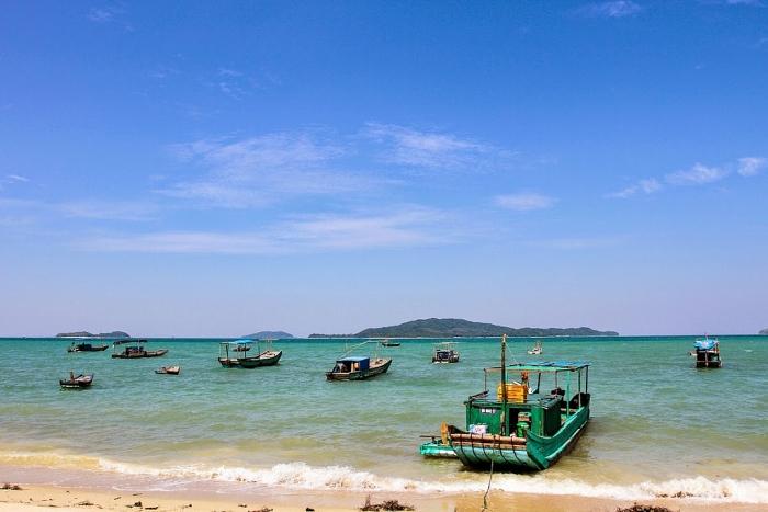 Chiêm ngưỡng vẻ đẹp của bãi biển trữ tình Trà Cổ (Quảng Ninh ...