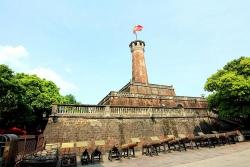 Cột cờ Hà Nội được xây dựng thời vua nào?