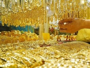 Giá vàng hôm nay 11/1/2021: Giảm sâu về mức 55 triệu đồng/lượng