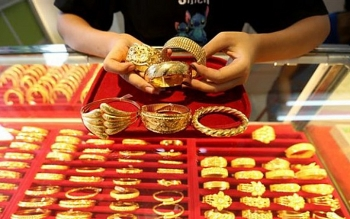 Giá vàng trong nước đứng yên, thế giới mất mốc 1.800 USD/ounce
