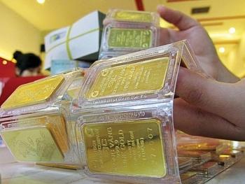 Giá vàng hôm nay 17/2/2021: Lùi sâu về mức bán 57 triệu đồng/lượng