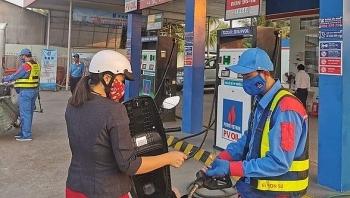 Giá xăng ngày mai sẽ giảm sau hơn một năm tăng?