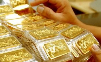 Giá vàng hôm nay 3/4/2021: Giá trong nước lên 55,4 triệu đồng/lượng, thế giới 'đóng băng'
