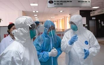Ngày 5/8, số ca nhiễm COVID-19 giảm gần 400 so với hôm trước