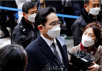 Thái tử Samsung 'gặp vấn đề' liên tục trước phiên xét xử