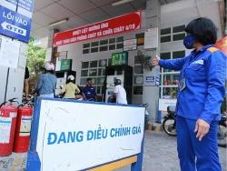 Giá xăng dầu hôm nay (27/10): Xăng trong nước sẽ giảm nhẹ?