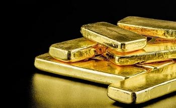 Giá vàng bất người lao dốc sau chuỗi tăng mạnh
