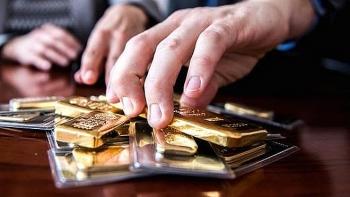 Giá vàng tăng chóng giữa căng thẳng Nga - Mỹ