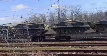 Nga tăng cường triển khai loạt vũ khí hạng nặng tiến sát biên giới Ukraine