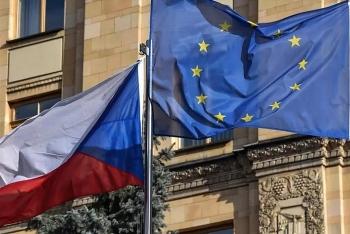 Nga trả đũa mạnh tay, trục xuất 20 nhà ngoại giao Czech