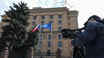 Nga tuyên bố trả đũa Czech, EU lập tức bảo vệ Prague
