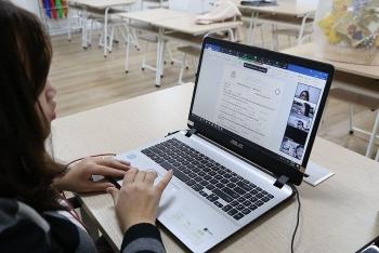 Hai trường đại học cho sinh viên học online sau kỳ nghỉ lễ